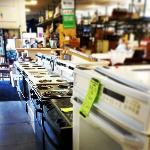 find used appliances at a thrift store